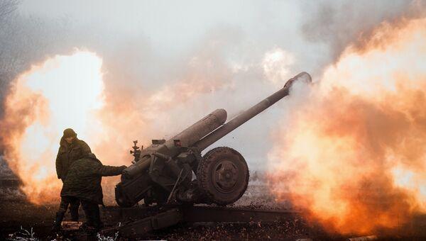 Ополченец Донецкой народной республики (ДНР) на передовой в окрестностях Дебальцево Донецкой области. Архивное фото