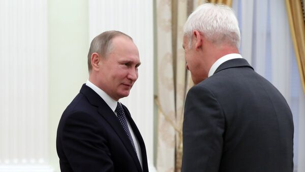 Президент РФ Владимир Путин и председатель правления Фольксваген групп Маттиас Мюллер во время встречи. 8 февраля 2017