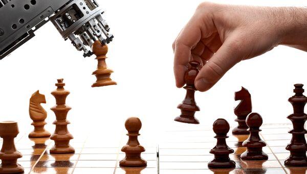 Шахматная партия между машиной и человеком. Архивное фото