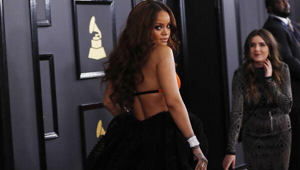 Певица Рианна на 59-й ежегодной премии Грэмми в Лос-Анджелесе, 12 февраля 2017