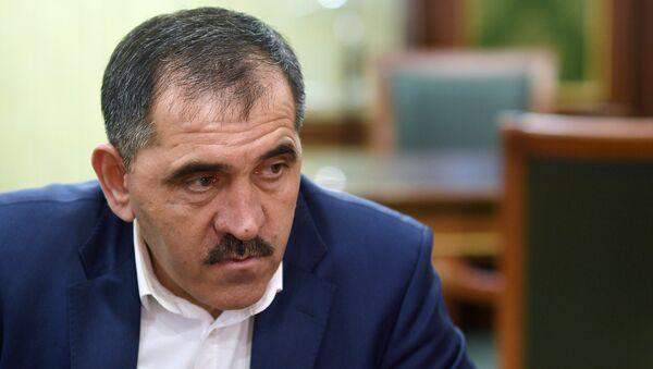 Глава Ингушетии Юнус-Бек Евкуров во время интервью