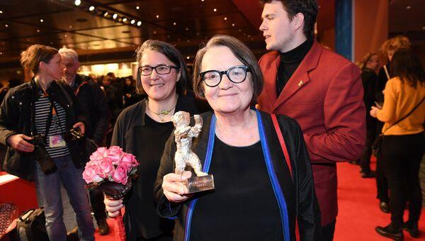 Режиссер Агнешка Холланд, обладатель премии Альфреда Бауэра, на церемонии награждения 67-го Берлинского международного кинофестиваля