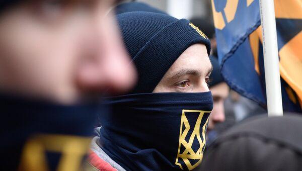 Представители националистических организаций во время митинга в центре Киева. Архивное фото
