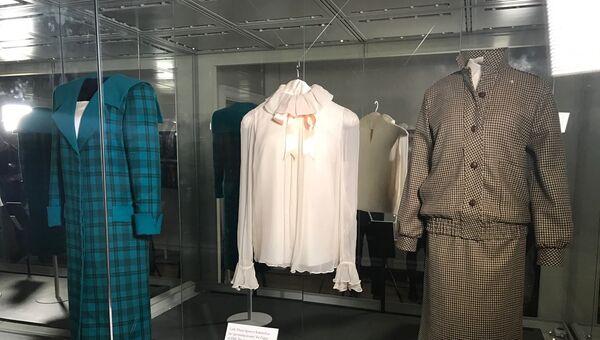 Выставка платьев Принцессы Дианы. Архивное фото