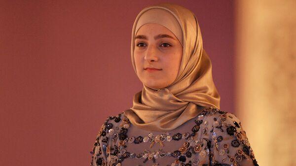Главный дизайнер Дома моды Firdaws, дочь главы Чеченской Республики Рамзана Кадырова Айшат Кадырова на показе своей коллекции в Грозном
