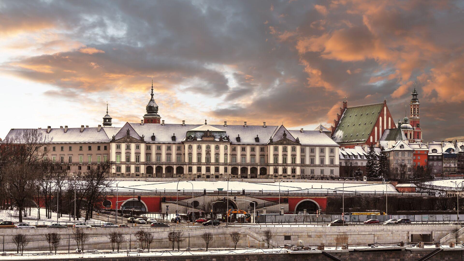 Вид замка и реки Висла в Старом городе Варшавы, Польша - РИА Новости, 1920, 27.01.2021