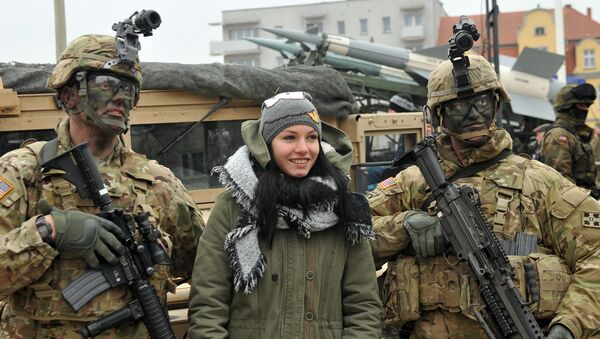 Церемония встречи американских военных в городе Сквежина, Польша. Февраль 2017