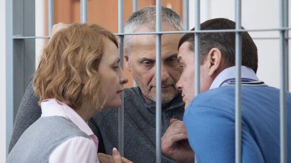 Бывший губернатор Сахалинской области Александр Хорошавин на заседании Южно-Сахалинского городского суда