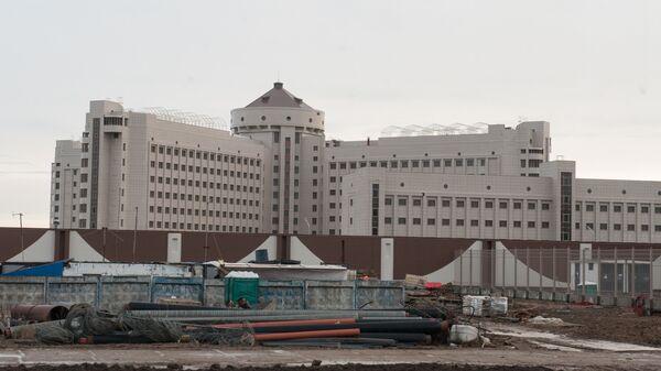 Здание нового следственного изолятора Кресты-2, строящегося в Санкт-Петербурге