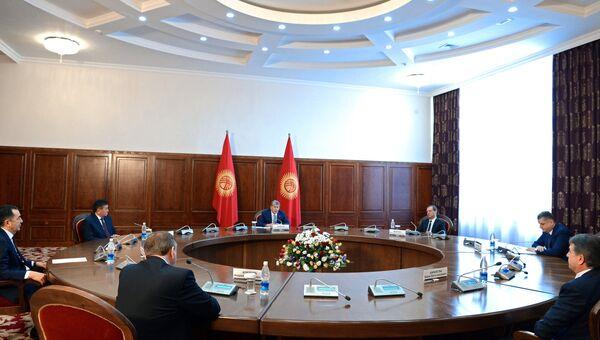 Председатель правительства РФ Дмитрий Медведев на встрече глав делегаций государств - членов Евразийского межправительственного совета. 7 марта 2017