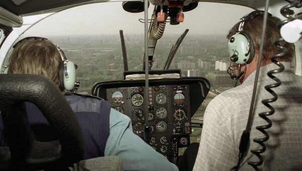 Кабина летчиков вертолета Центроспаса МЧС РФ. Архивное фото
