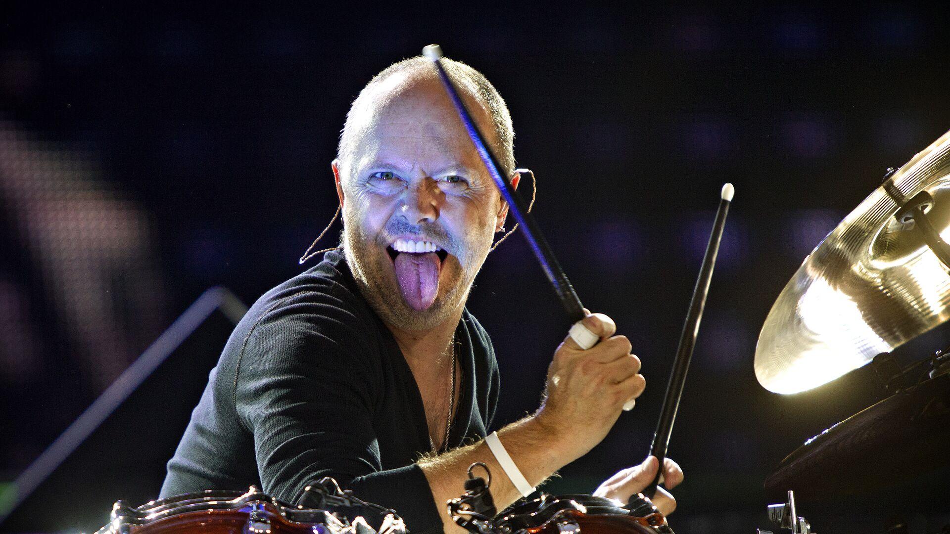 Барабанщик группы Metallica Ларс Ульрих выступает в бывшей государственной тюрьме в городе Хорсенс, Дания - РИА Новости, 1920, 03.08.2020