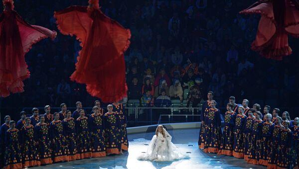 Певица Юлия Самойлова во время выступления на церемонии открытия XI зимних Паралимпийских игр в Сочи.