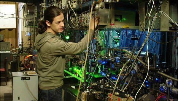 Ученые Института лазерной физики СО РАН в лаборатории