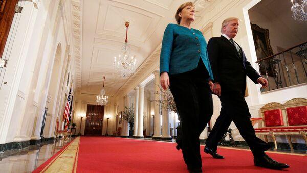 Канцлер Германии Ангела Меркель и президент США Дональд Трамп во время встречи в Вашингтоне. 17 марта 2017 года