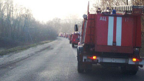 Колонна пожарных машин возле города Балаклея в Харьковской области. Архивное фото