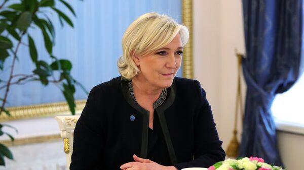 Лидер политической партии Франции Национальный фронт, кандидат в президенты Франции Марин Ле Пен во время встречи с президентом РФ Владимиром Путиным
