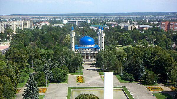 Вид на площадь Дружбы и Соборную мечеть в Майкопе