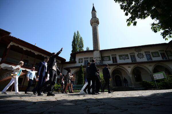 Минарет Большой Ханской мечети на территории Бахчисарайского историко-культурного заповедника Крыма Хансарай