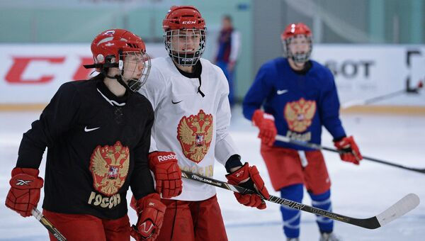 Игроки женской сборной России по хоккею с шайбой. Архивное фото