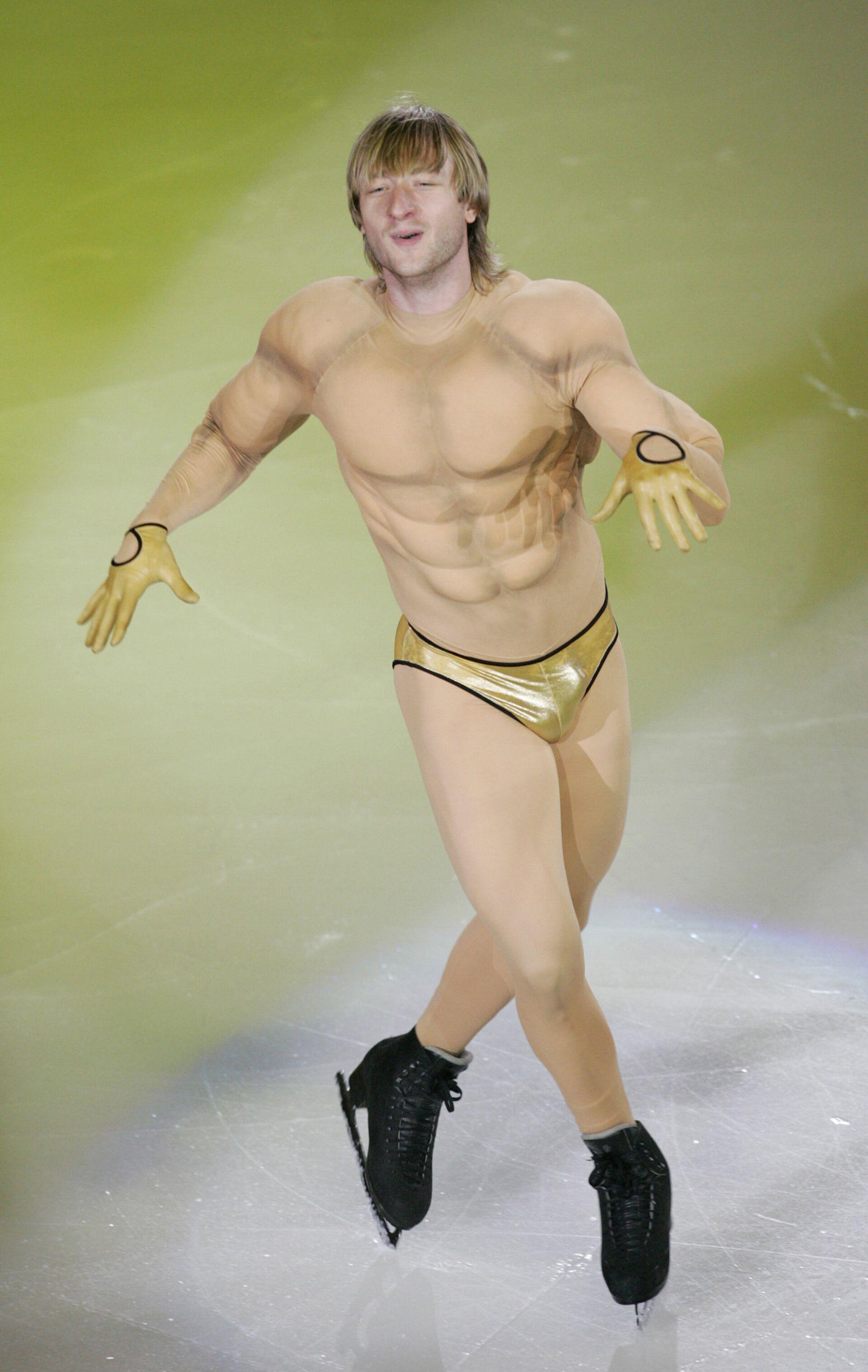 Евгений Плющенко, завоевавший золотую медаль по фигурному катанию на Олимпийских играх-2006 в Турине, выступает на гала-шоу в Сеуле - РИА Новости, 1920, 30.11.2020