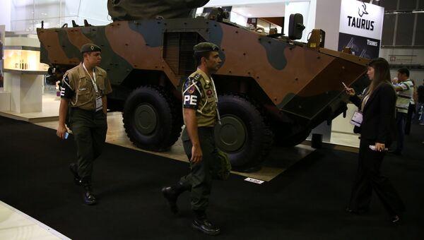 Танк на выставке LAAD 2017 Defense and Security в Рио-де-Жанейро, Бразилия, 4 апреля 2017