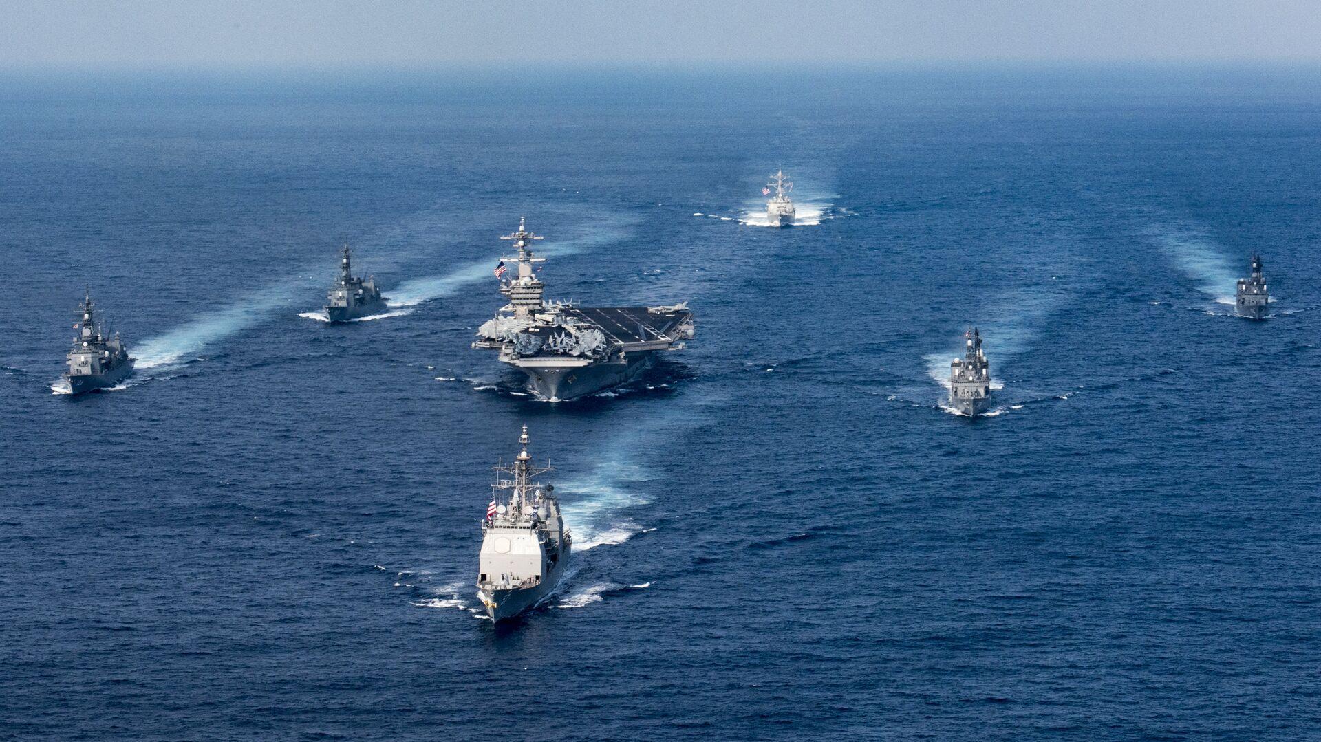 Ударная авианосная группировка ВМС США во главе с авианосцем Карл Винсон. 31 марта 2017 - РИА Новости, 1920, 18.01.2021