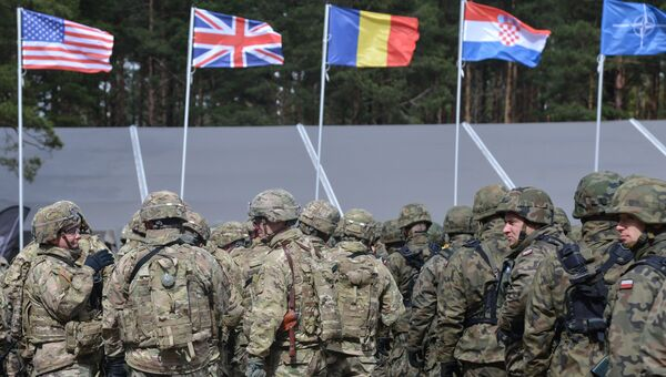 Флаги стран НАТО в Польше