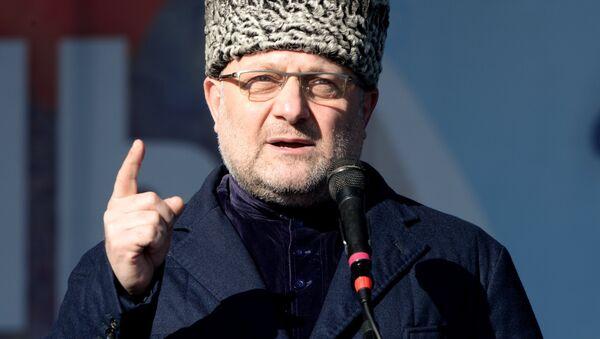 Министр по национальной политике, внешним связям, печати и информации Джамбулат Умаров. Архивное фото