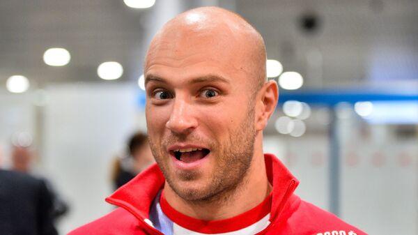 Спортсмен сборной России Денис Дмитриев, завоевавший золотую медаль в индивидуальном спринте на чемпионате мира по велоспорту