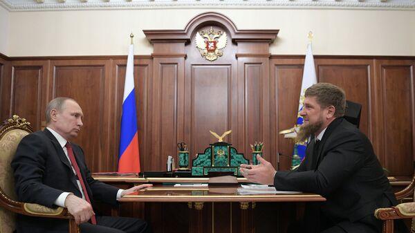 Президент РФ Владимир Путин и глава Чеченской Республики Рамзан Кадыров во время встречи