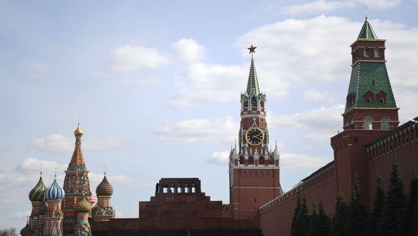 Вид на Собор Василия Блаженного и Кремль. Архивное фото