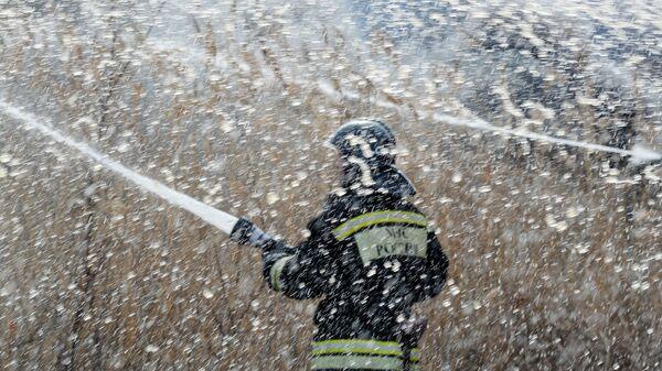 Борьба с природными пожарами. Архивное фото