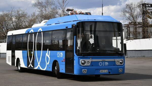 Новый электробус с возможностью зарядки на маршруте. Архивное фото