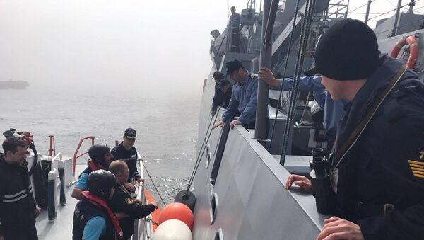 Операция по спасению экипажа судна Лиман в Черном море. Архивное фото
