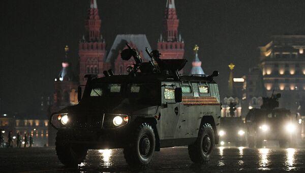 Бронеавтомобиль Тигр-М на репетиции парада Победы на Красной площади