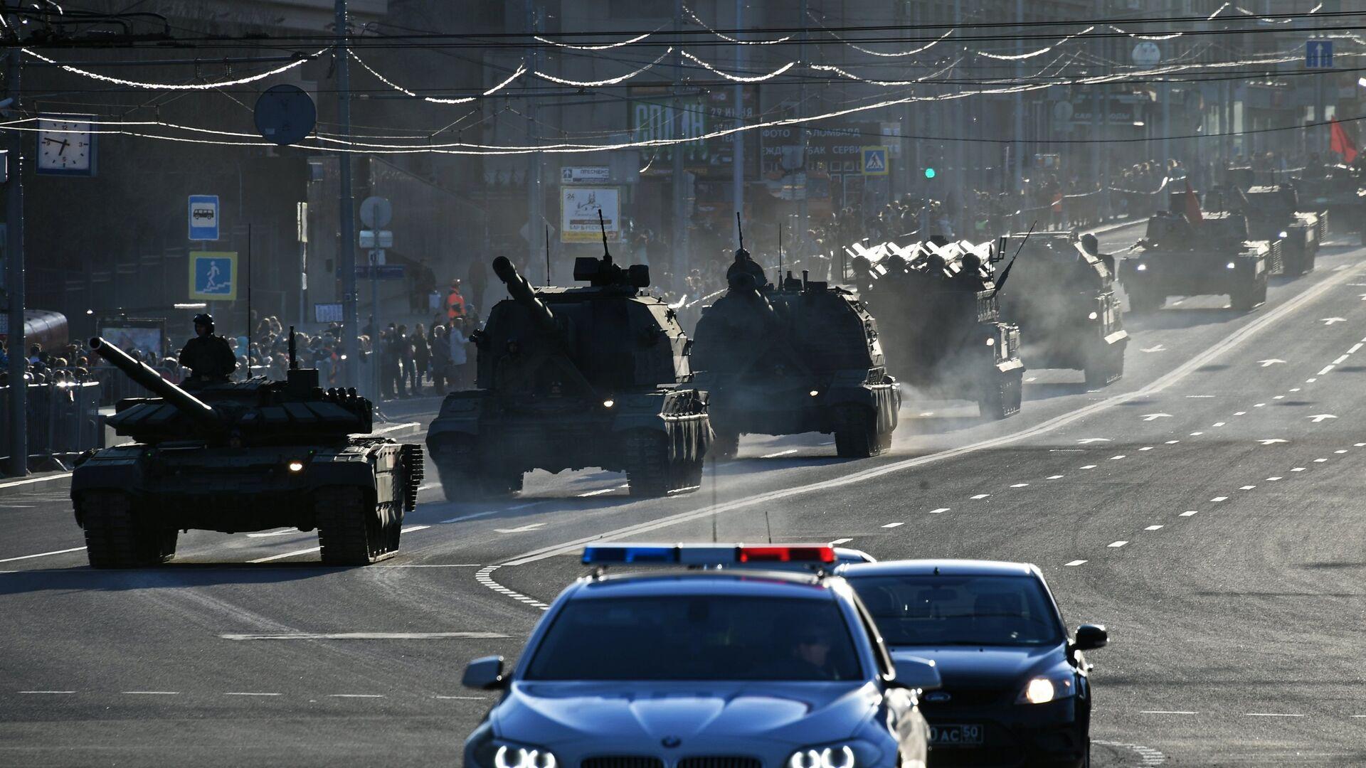 Военная техника на улицах Москвы - РИА Новости, 1920, 09.05.2021