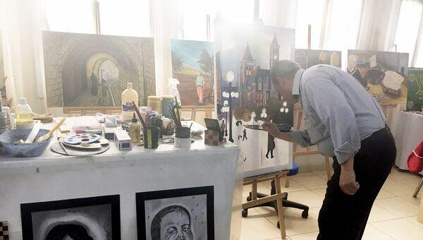 Класс для занятия живописью и мозаикой в лагере для беженцев в Килисе