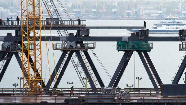 Строительство моста через Керченский пролив в Крыму. 10 мая 2017