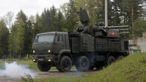 Зенитный ракетно-пушечный комплекс Панцирь-С во время учений в Московской области. Архивное фото