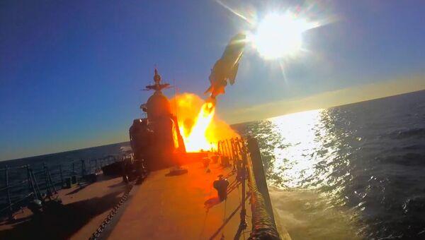 В море, в небе, под водой и на суше – видео Минобороны РФ ко дню Балтийского флота