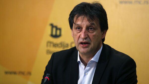Бывший министр обороны Сербии Братислав Гашич. Архивное фото