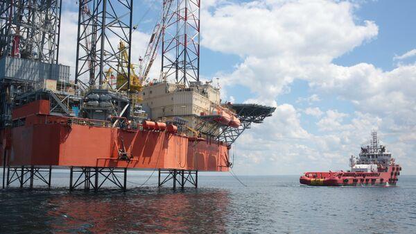 Нефтегазодобывающая платформа в Крыму. Архивное фото