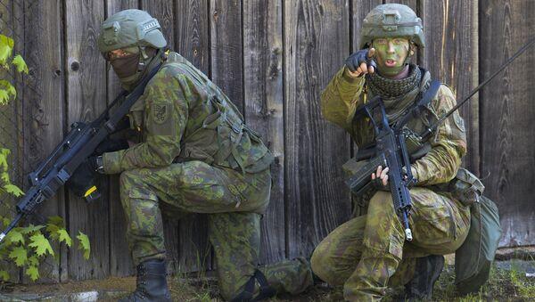 Эстонские военнослужащие во время учений. Архивное фото