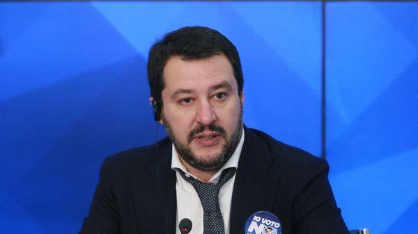 Лидер итальянской оппозиционной партии Лига Севера Маттео Салвини в ММПЦ МИА Россия Сегодня, 2016
