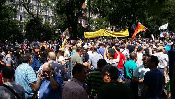 Митинг таксистов против сети Uber в Испании. Архивное фото
