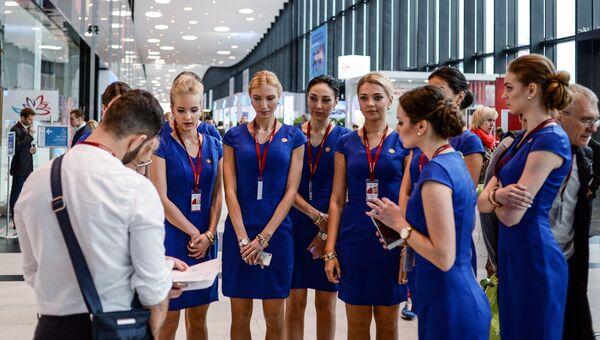 Волонтеры в Экспофоруме готовятся к открытию Санкт-Петербургского международного экономического форума 2017