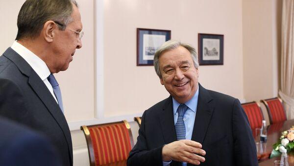 Министр иностранных дел РФ Сергей Лавров и генеральный секретарь ООН Антониу Гутерриш во время встречи в Санкт-Петербурге. 1 июня 2017