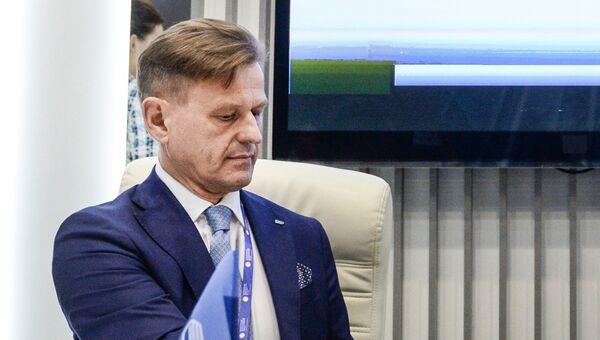 Генеральный директор АО Национальная система платежных карт Владимир Комлев на Санкт-Петербургском международном экономическом форуме 2017