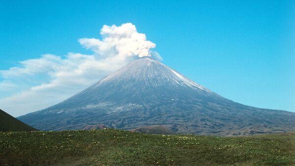 Вид на вулкан Ключевская сопка